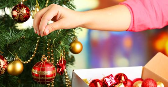 Psychologists Say That Putting Christmas Decorations Up Early Makes You Happier
