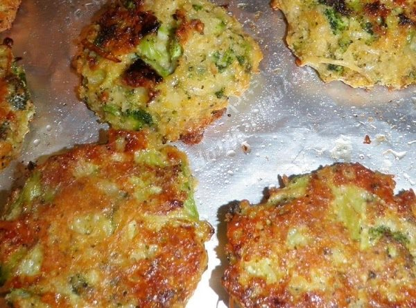 HOW TO MAKE BAKED BROCCOLI PATTIES