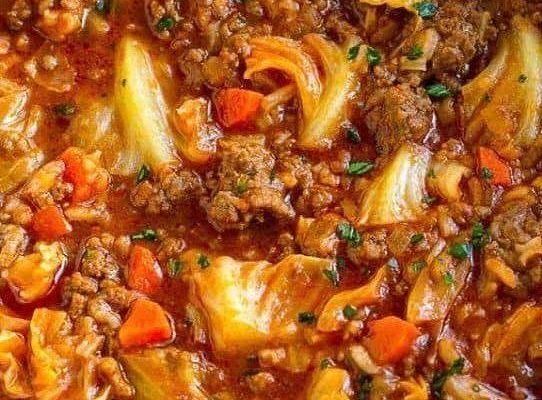 THE BEST CABBAGE ROLL SOUP